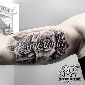 tatuaje rosas brazo pamplona trabajos