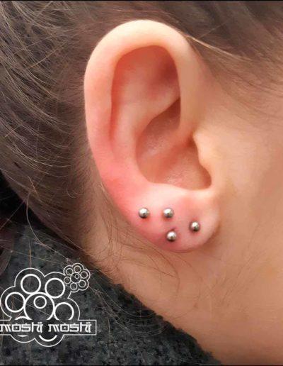 piercing bolas lobulo oreja pamplona