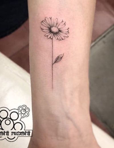 tatuaje margarita muñeca pamplona