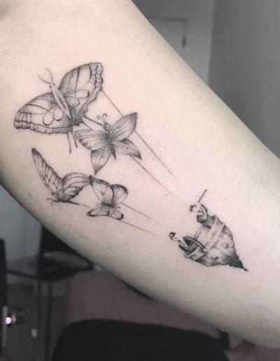 tatuaje mariposas brazo pamplona